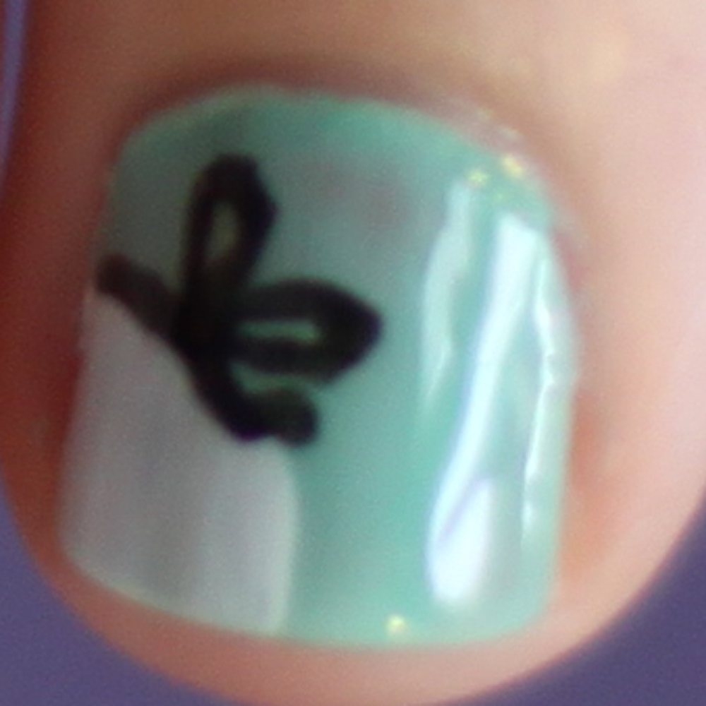 Nails - Bow Close Up