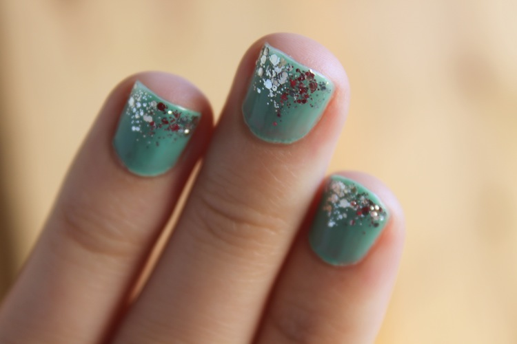 Turquoise & Glitter Nails @ infinite.nu - left hand