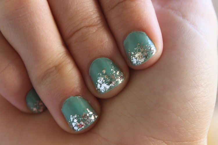 Turquoise & Glitter Nails @ infinite.nu - right hand