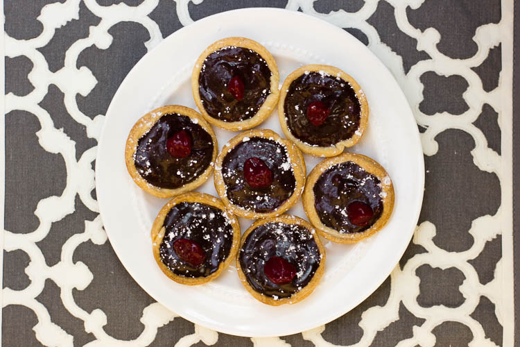 Chocolate Raspberry Tarts | infinite.nu
