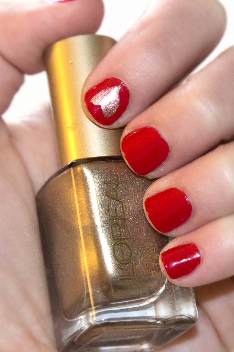 Red & Gold Heart Nails | infinite.nu
