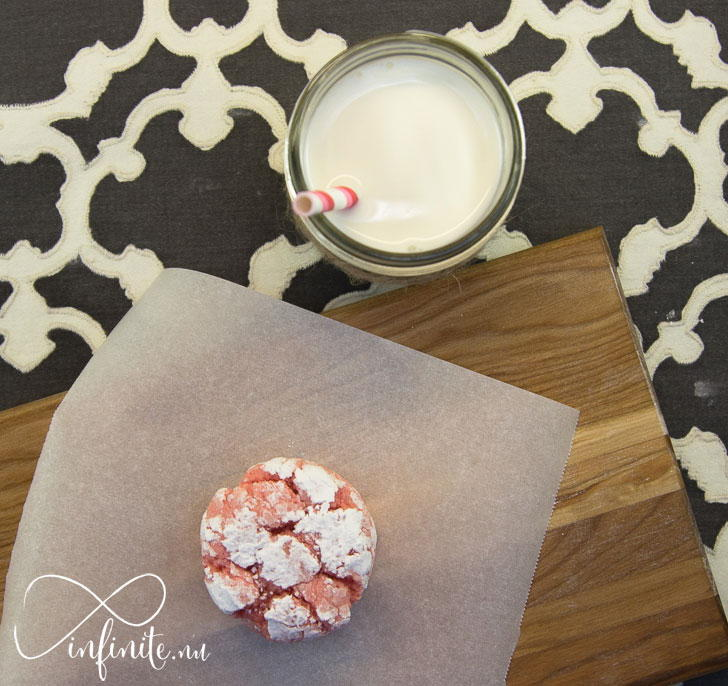 Strawberry Crinkle Cookies from a Box Mix | infinite.nu