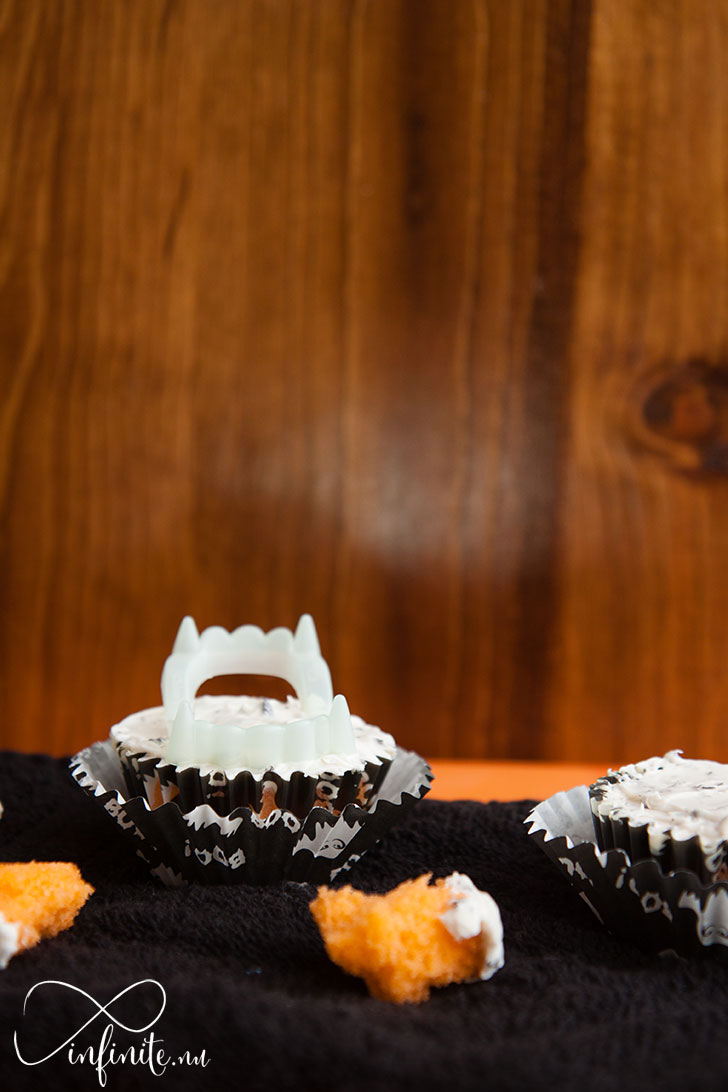 halloween-orange-cupcakes-infinite-nu-2